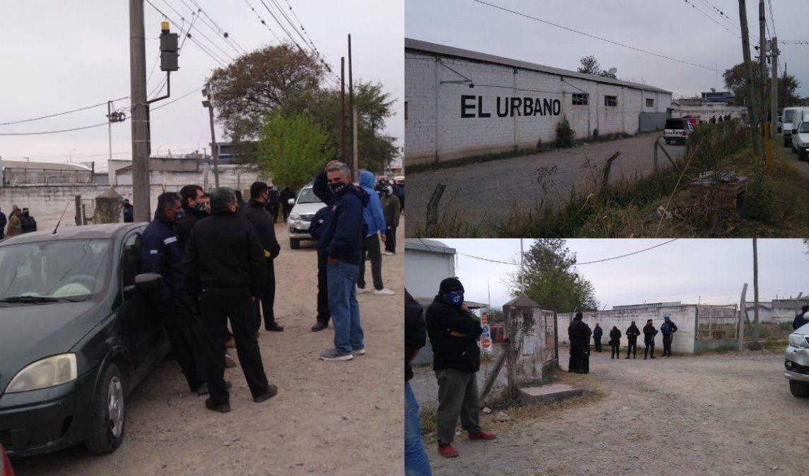 El paro del transporte alcanza a las empresas Unión Bus, El Urbano y San Jorge