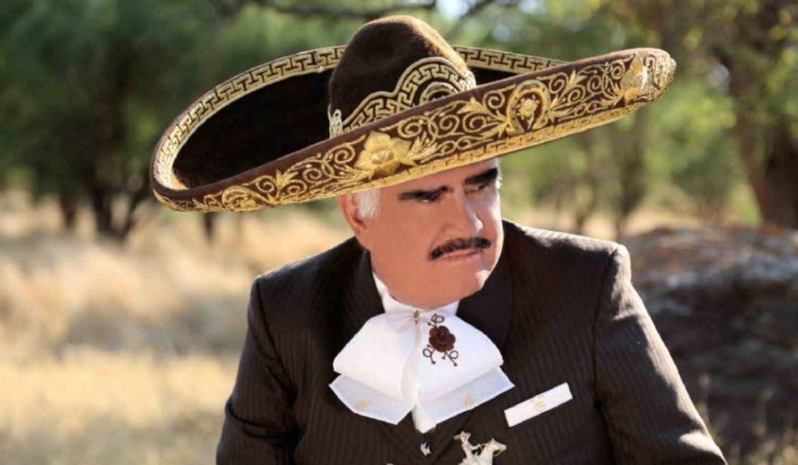 Vicente Fernández enfureció y sacó a uno de sus hijos del testamento