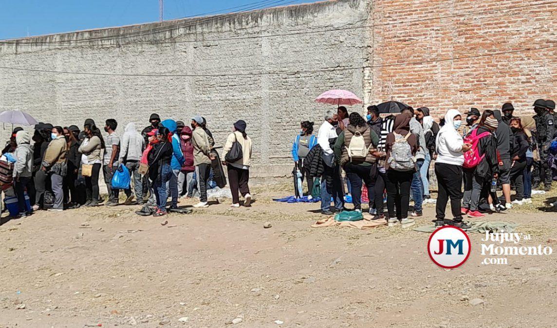 Tras el conflicto, reubican a manteros y vendedores ambulantes