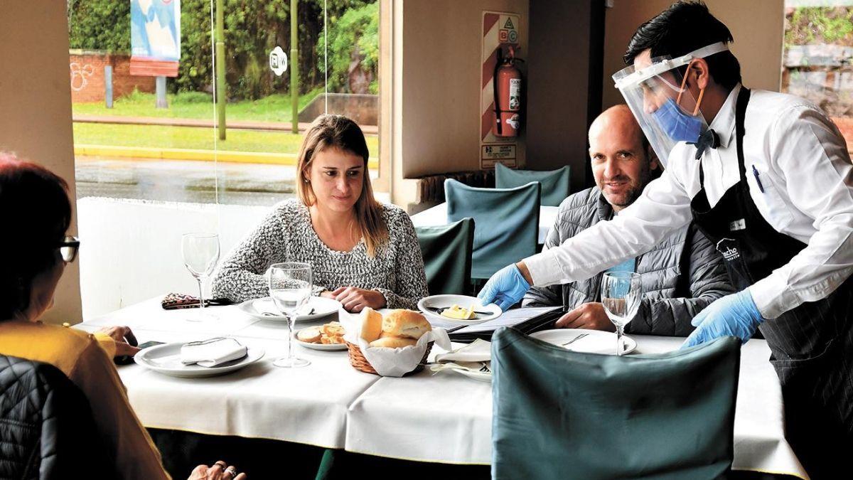 Para los empresarios urge la reapertura del sector gastronómico