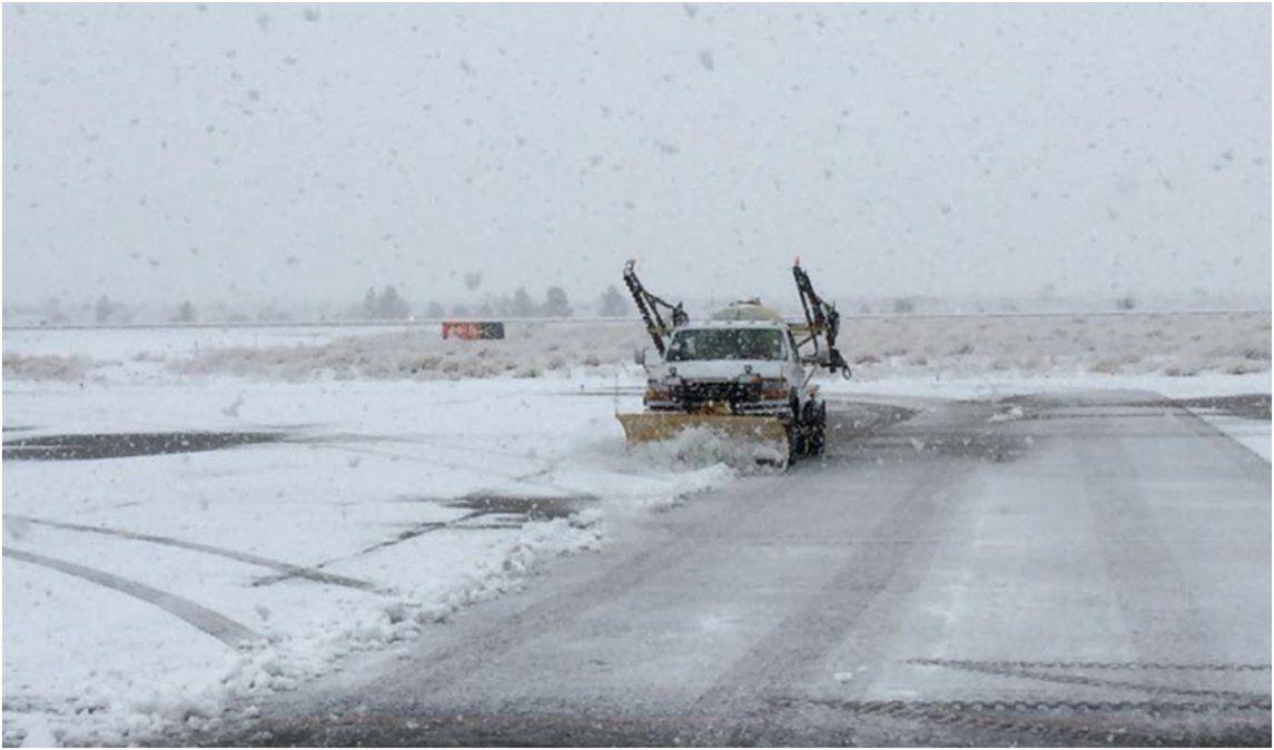 Ola de frío en España: Buscan quitar la nieve de rutas y avenidas