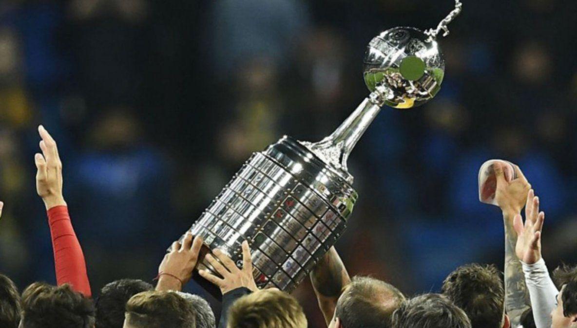 Racing se acomoda en el grupo y Argentinos sigue a paso firme