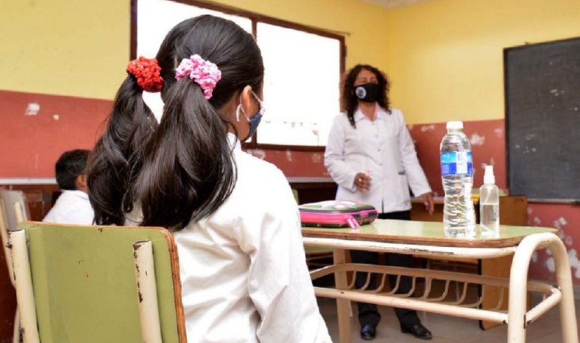 Los ministros de Educación acordaron seguir con las clases presenciales en todo el país