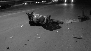 Un remis chocó y mató a un motociclista