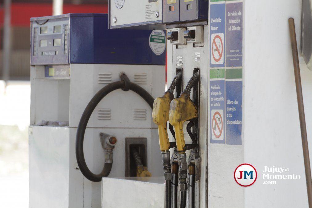 El gobierno postergó una suba de impuestos y frenó el aumento de combustibles