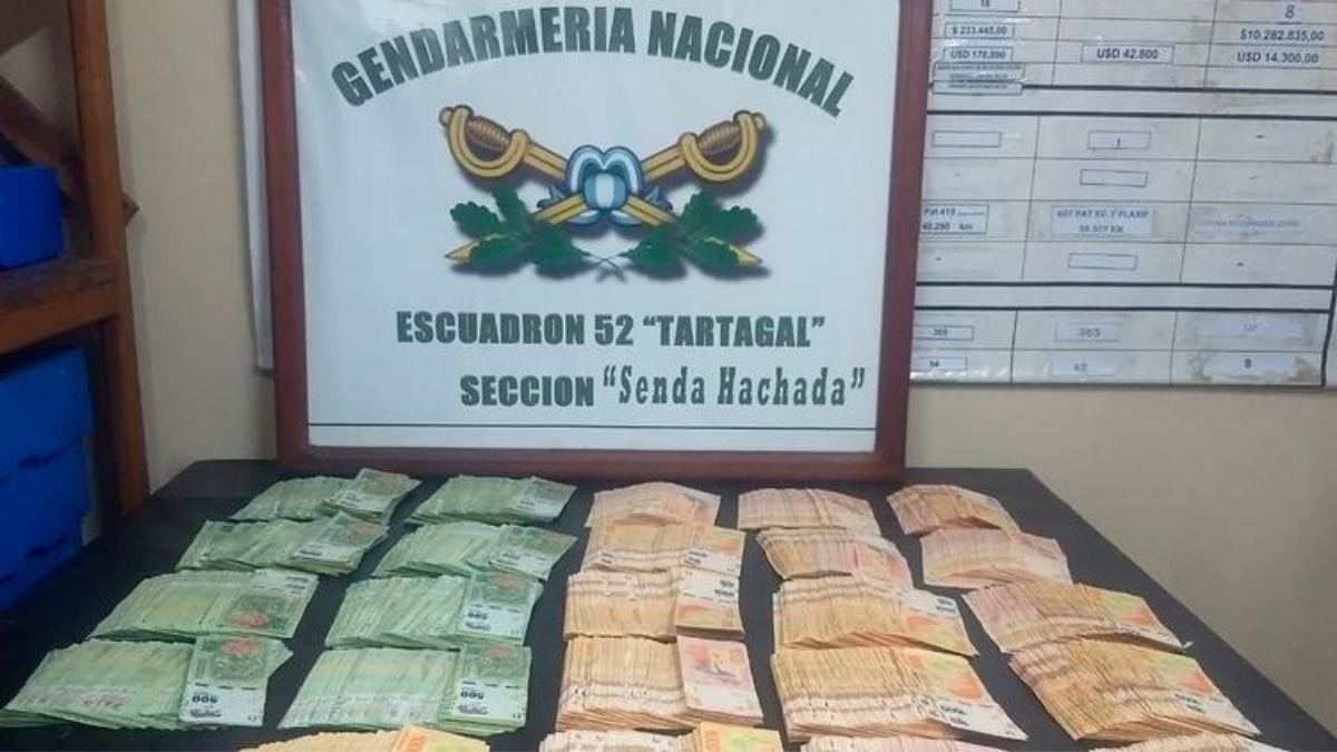 Tartagal: Descubren 2 millones de pesos ocultos en el torpedo de un camión