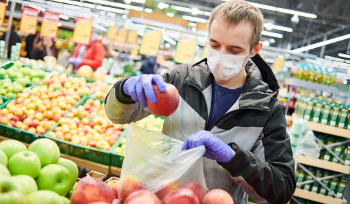 El COVID-19 no se transmite por alimentos ni sus envases, determinó la FDA