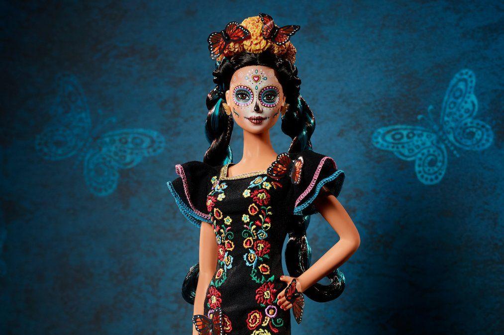 La Barbie de Día de Muertos: celebrada y criticada