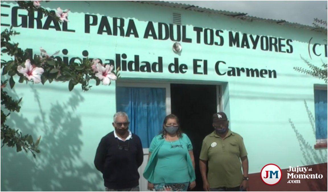 Adultos mayores de El Carmen denuncian destrato del intendente