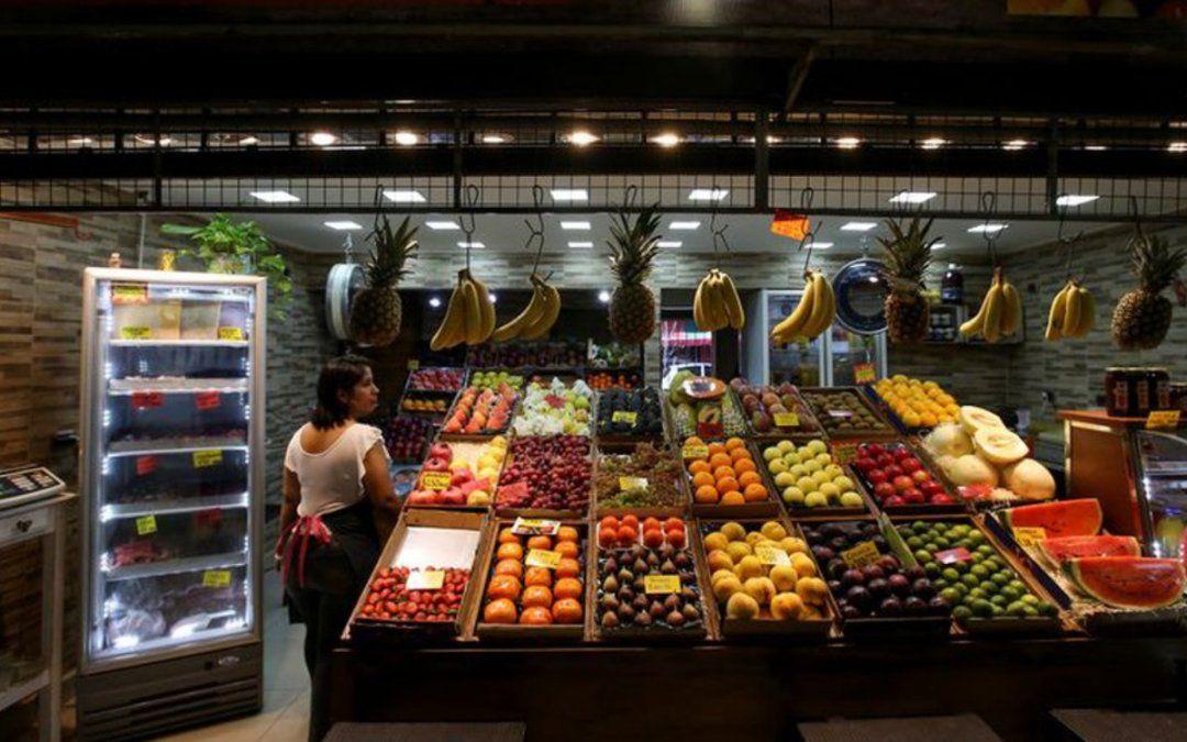 En los últimos 4 años, el precio de alimentos y bebidas subió 25 puntos más que la inflación general
