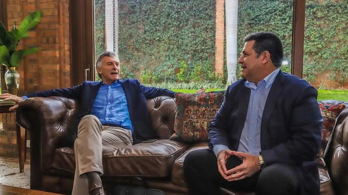Macri regresó de Paraguay y deberá cumplir 14 días de aislamiento