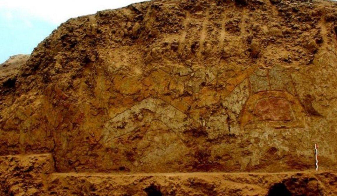 El mural de un dios araña de 3.000 años de antigüedad descubierto en Perú