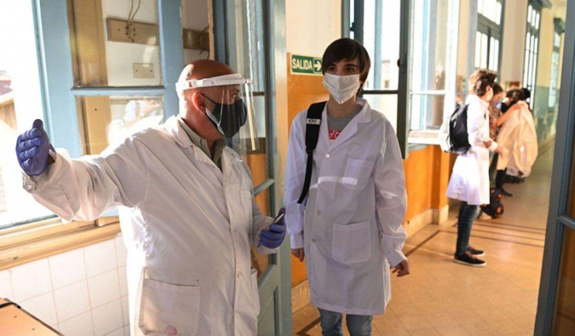 Anuncian que con la llegada de vacunas chinas, comenzarán a vacunar docentes