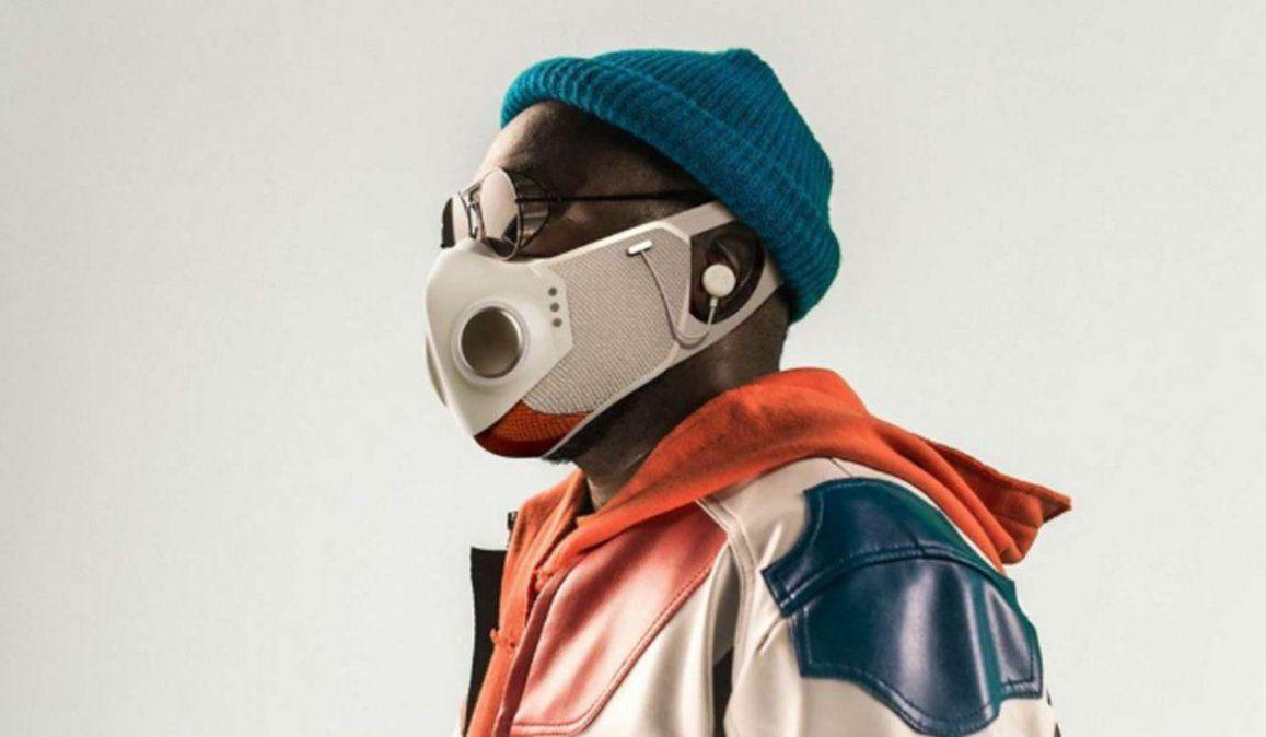 Xupermask, el barbijo creado por el rapero will.i.am tiene auriculares integrados