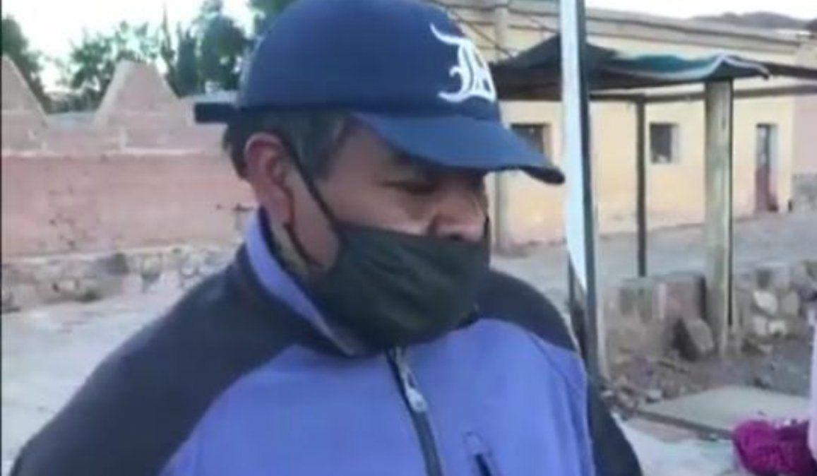 Falleció el maestro humahuaqueño que daba clases en la plaza por falta de internet