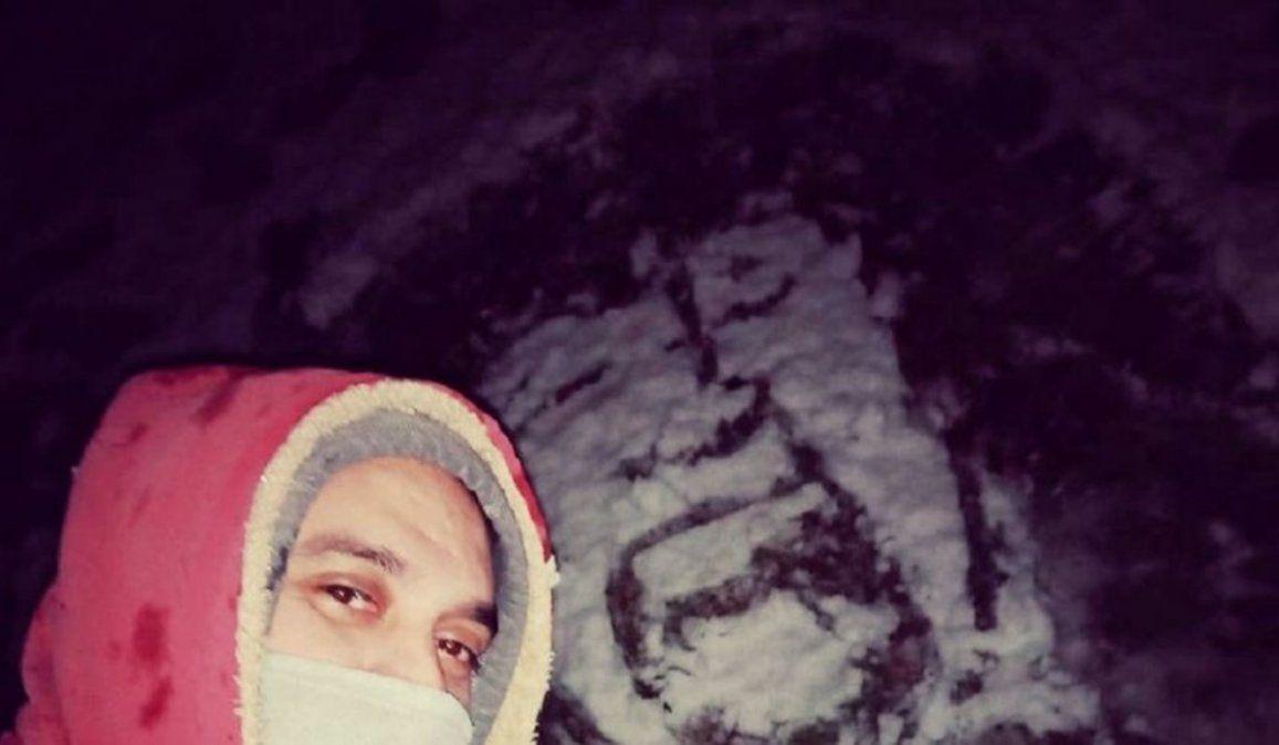 Creatividad sin límites: aprovechó la nieve y dibujó a La Mona Jiménez