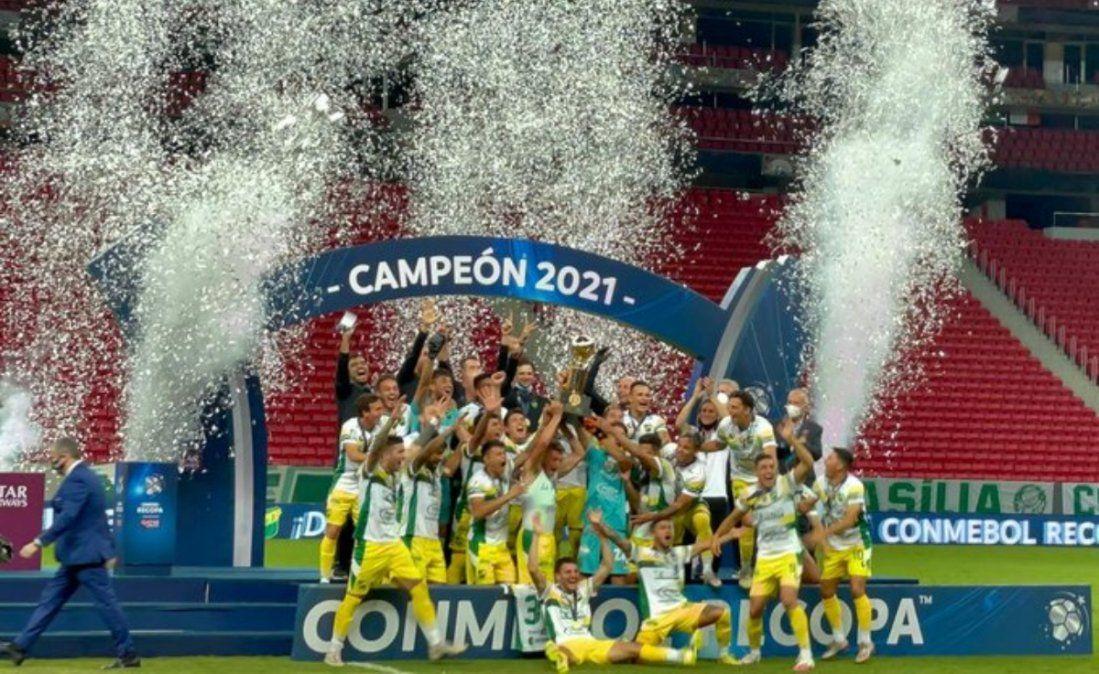 Se hizo Justicia en Brasil: Defensa, campeón de la Recopa Sudamericana