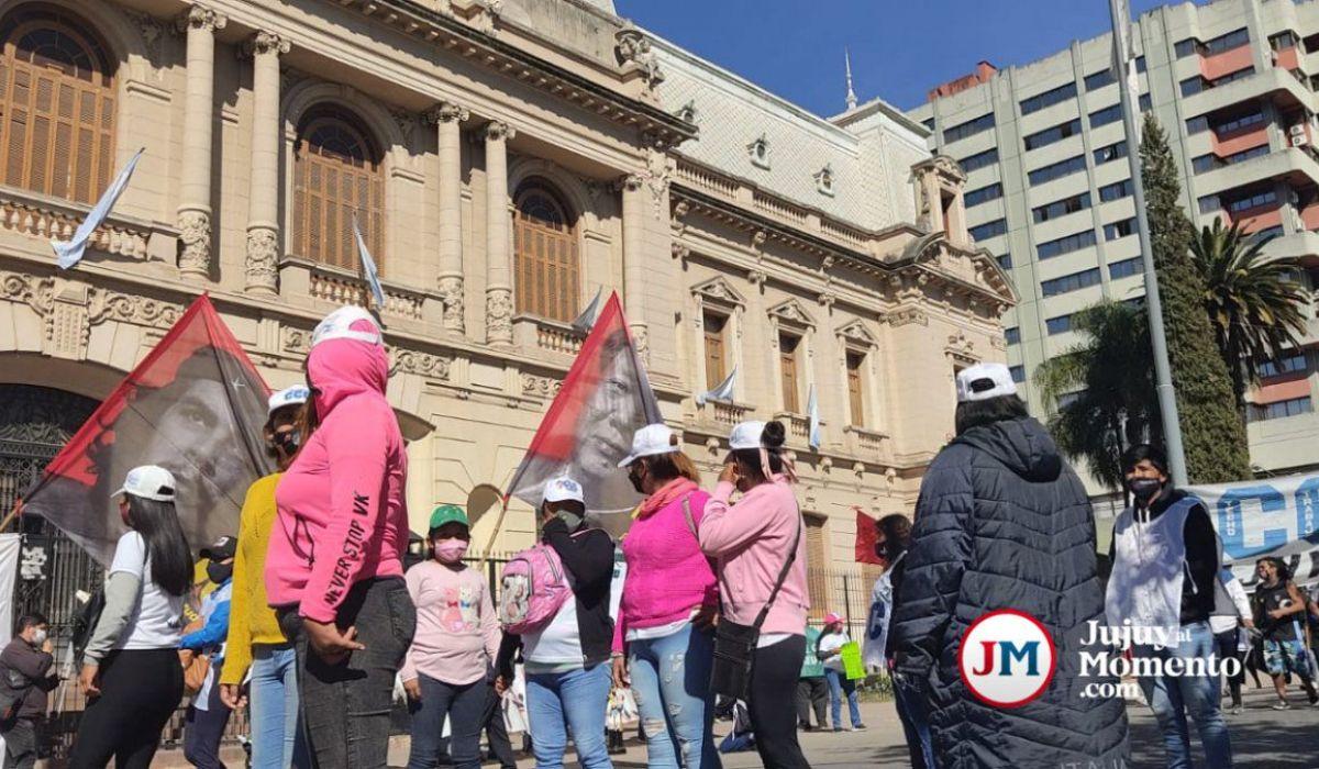 Los políticos extraviados y los argentinos en la pobreza