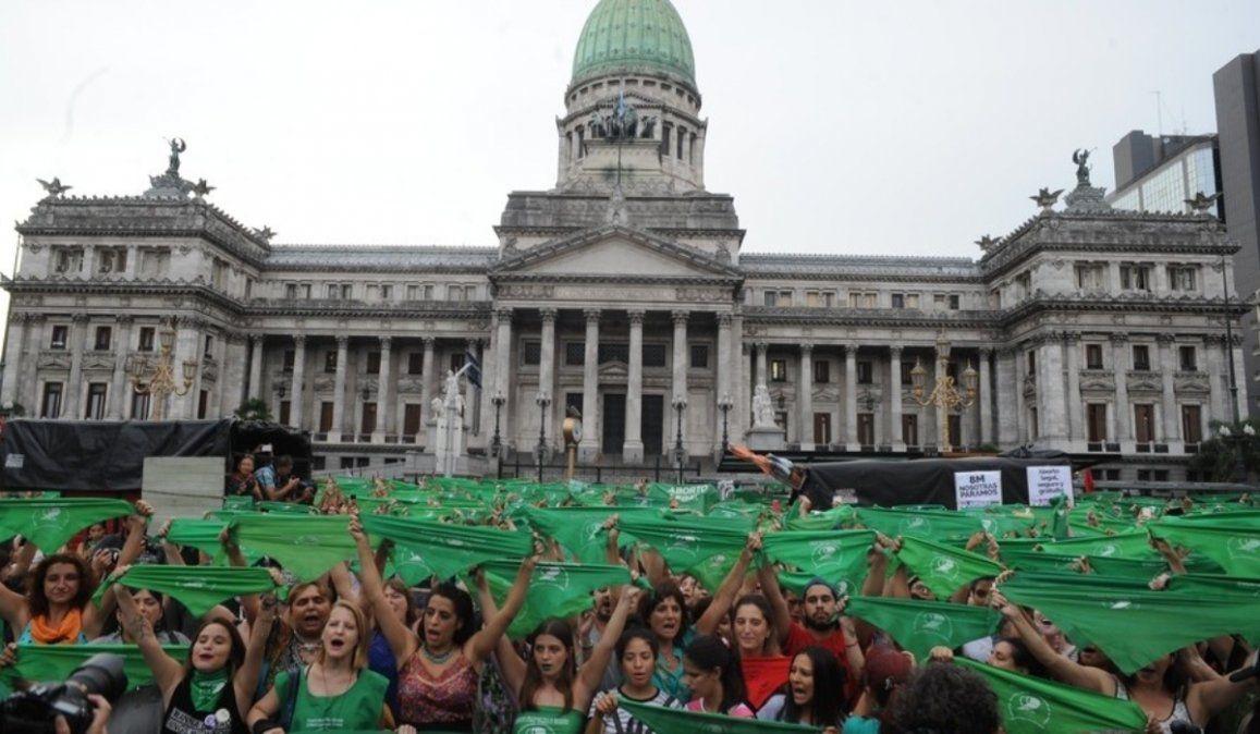 El aborto no se debatirá este año, el gobierno lo postergó para 2021