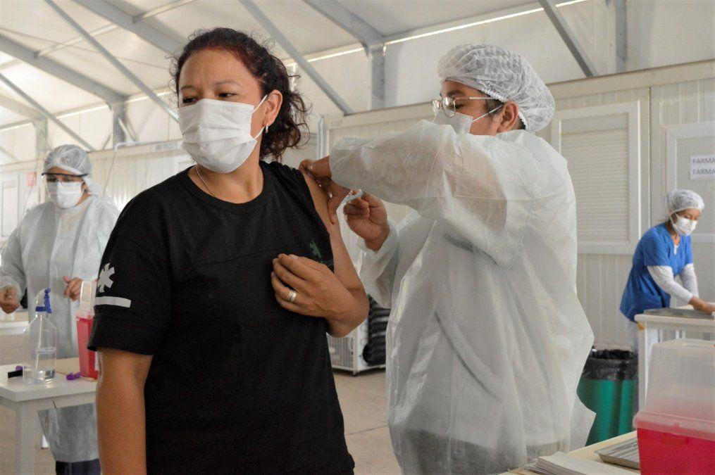 Ya son más de 10 mil los adultos mayores que recibieron la vacuna en Jujuy