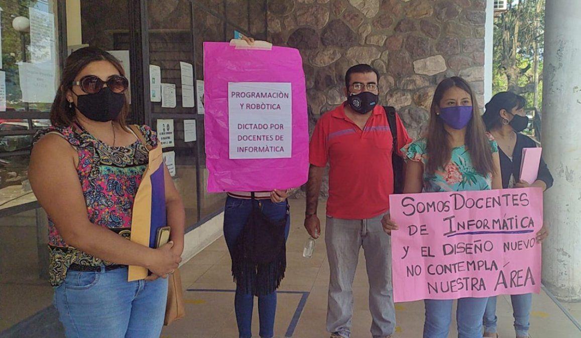 Sin respuesta del gobierno, docentes autoconvocados vuelven a protestar en la calles