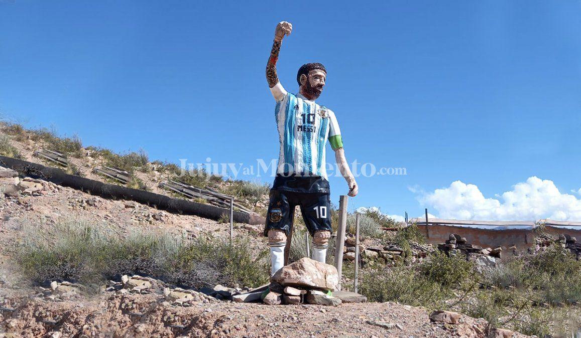 Messi tiene su escultura en Tilcara