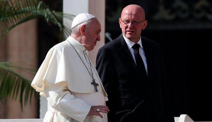 Renunció el jefe de custodia del Papa