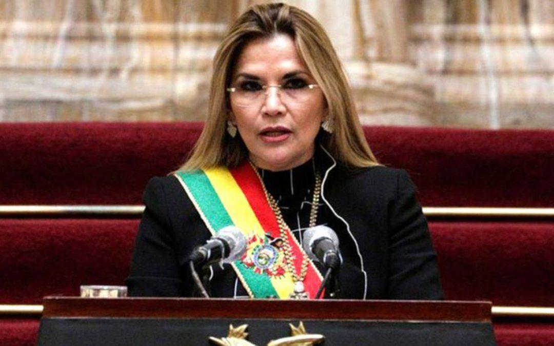 Jeanine Áñez felicitó a Luis Arce por anticipado
