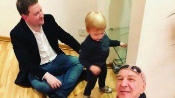 Jonatan Viale está aislado y sus hijos dieron positivo de COVID-19