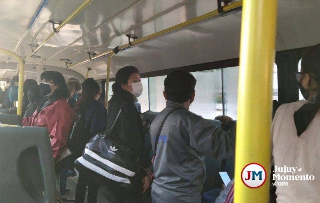 No se cumple con la medida de llevar solo 10 pasajeros parados