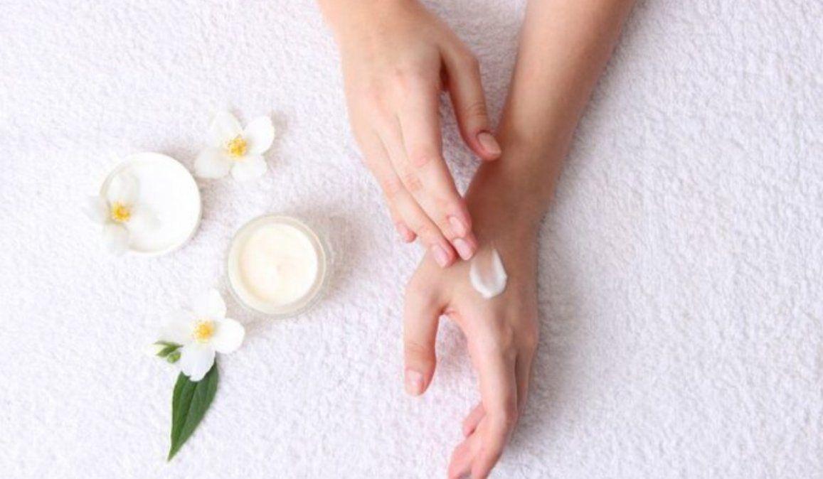 Cómo cuidar las manos agrietadas