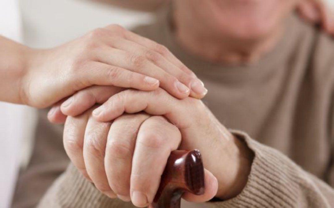 El efecto del desamparo en los adultos mayores
