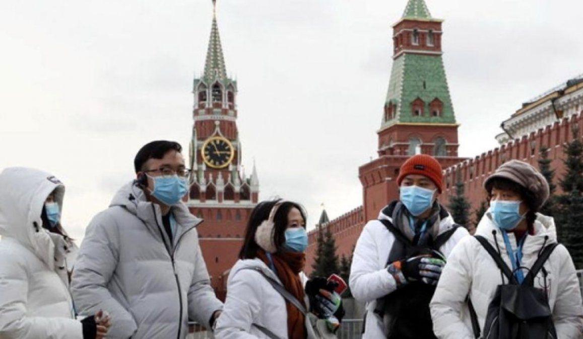 Rusia bate récord de muertes diarias por covid-19 con casi 1.000 en un día