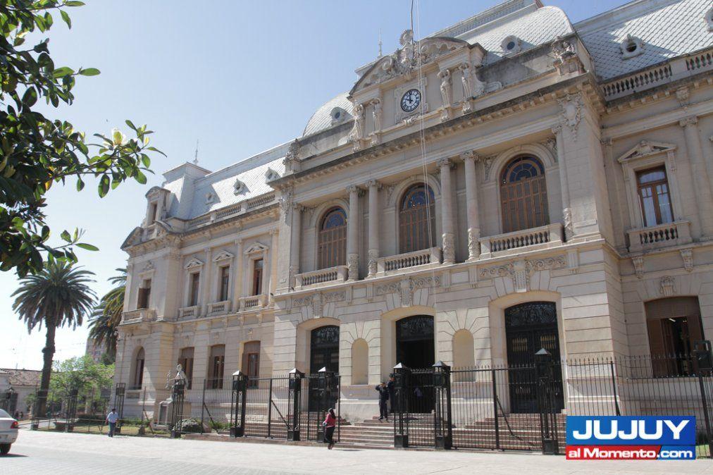 Deuda récord y virtual default en Jujuy
