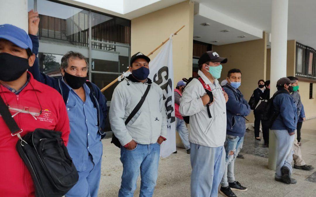 Tensión en el municipio palpaleño: Trabajadores realizan permanencia por contagios de covid