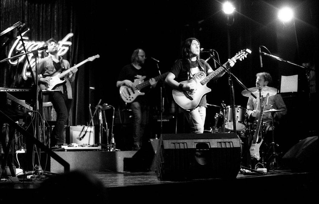 Introspección y exploración musical en las nuevas canciones de Nando Díaz