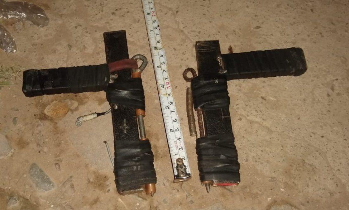 Detuvieron a cinco adolescentes con armas tumberas
