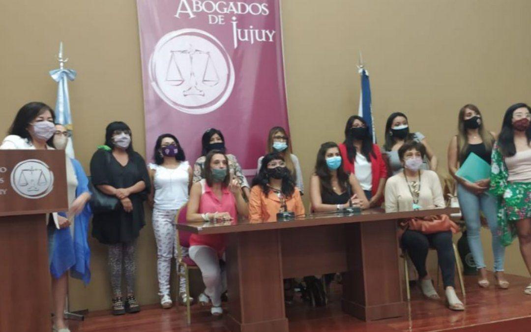 Abogadas se solidarizaron con la funcionaria que denunció persecución del MPA