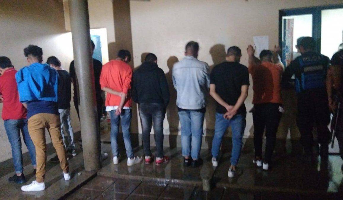 Frenan fiesta clandestina con 40 personas, la mitad eran menores de edad